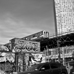 7 train running next to 5 pointz
