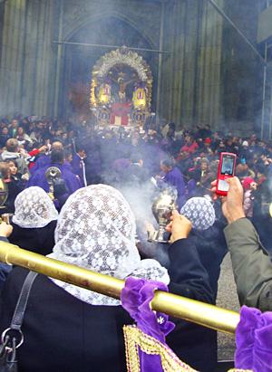 Purple Christ procession