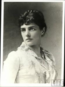 Miss Jennie Jerome. Source: http://s289.photobucket.com/user/EnaBatt/media/JENNIE/Jenncloseup.jpg.html