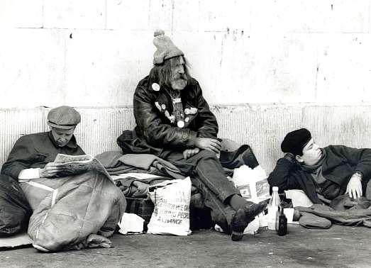 http://blsciblogs.baruch.cuny.edu/mppsharma/files/2009/05/homeless.jpg