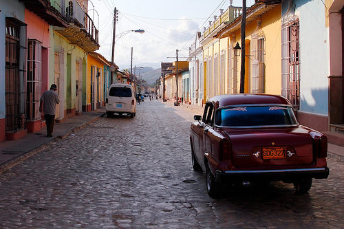 Cuban street - via Doug88888